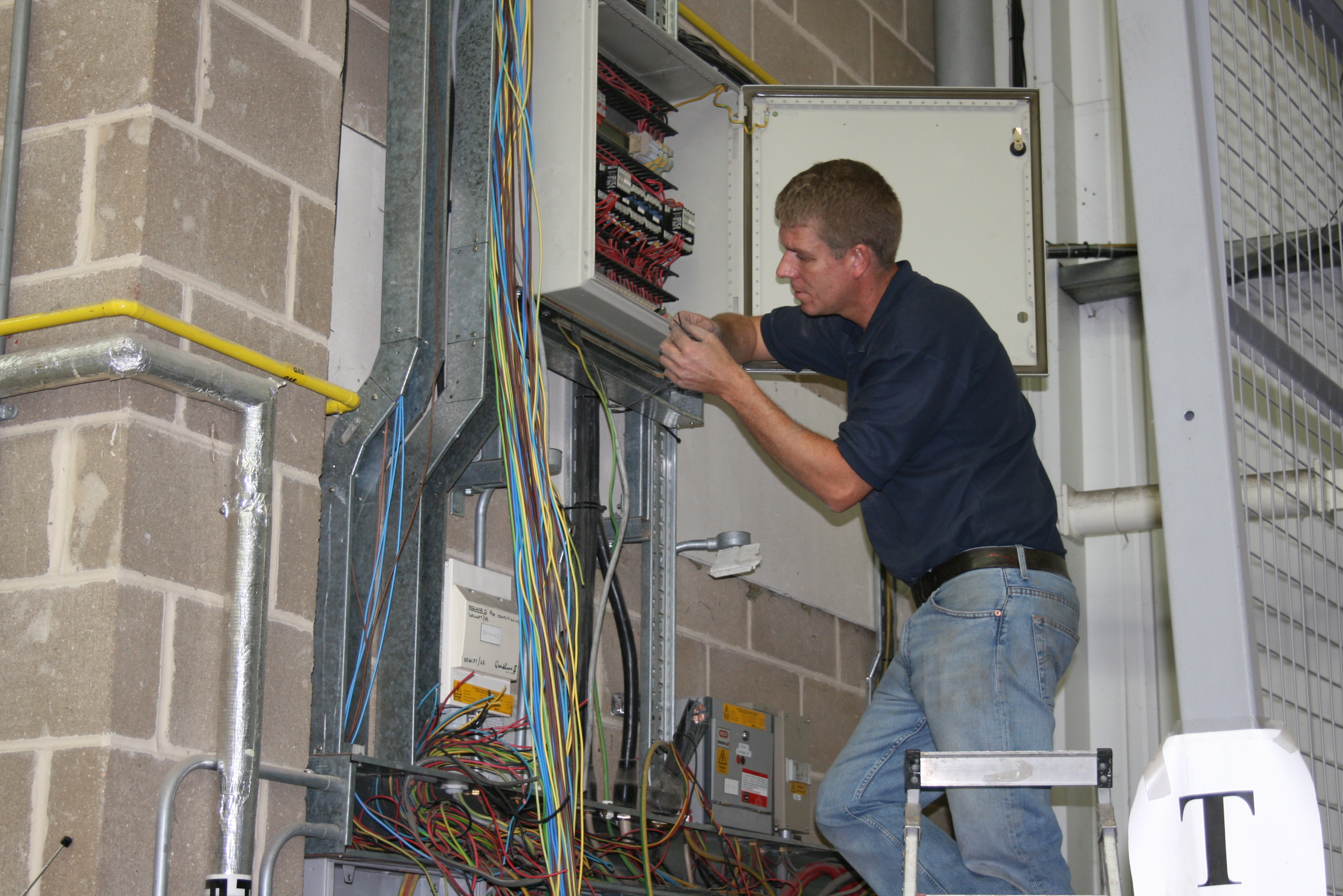 Holbrook Electrical And Engineering Testing Inspection Tracing Wiring Behind Walls Damaged Cables